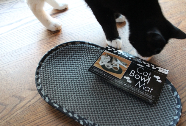 Cat bowl mat