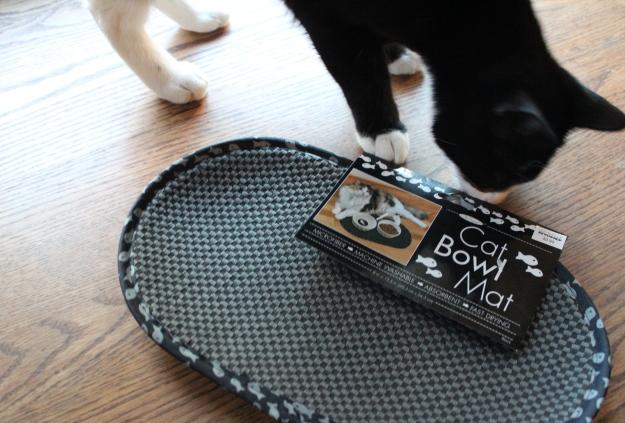 Cat bowl mat