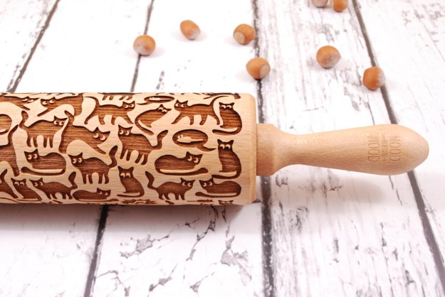 Cat embossed rolling pin detail - Etsy