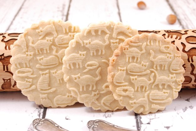 Cat embossed rolling pin cookie detail - Etsy
